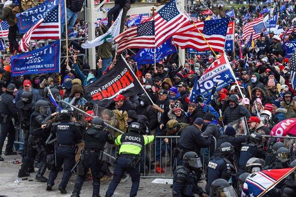 【國際】美國6日確定拜登當選總統 川粉暴怒闖入國會大廈爆發衝突