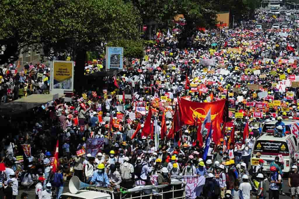 【國際】緬甸2/22春天革命 各大城市擁上百萬人上街反政變