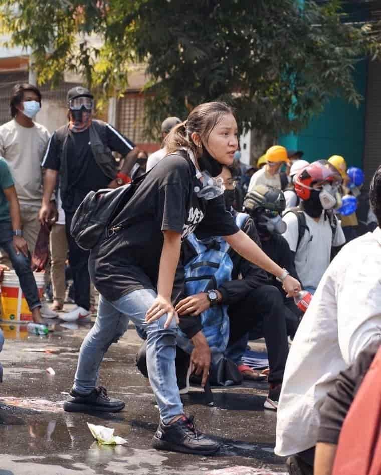 【國際】緬甸軍政變如恐怖份子掃射民眾!華僑19歲正妹爆頭犧牲 留遺言「捐身軀救更多人」