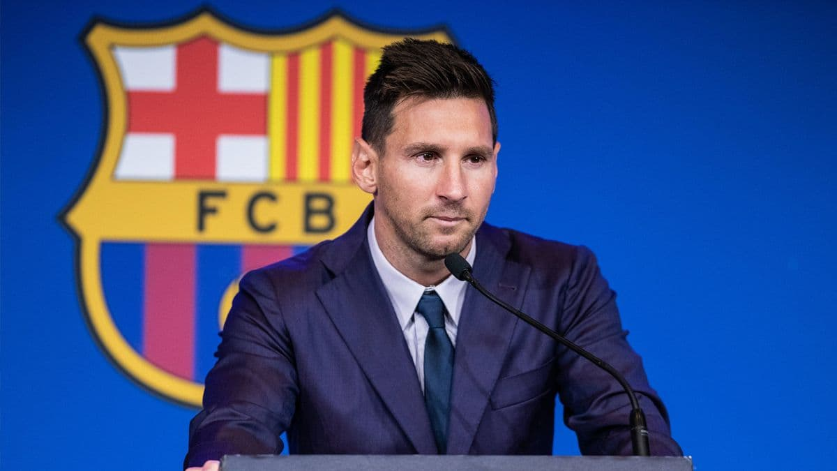 梅西告別效力21年巴塞隆納 淚灑記者會向球迷告別