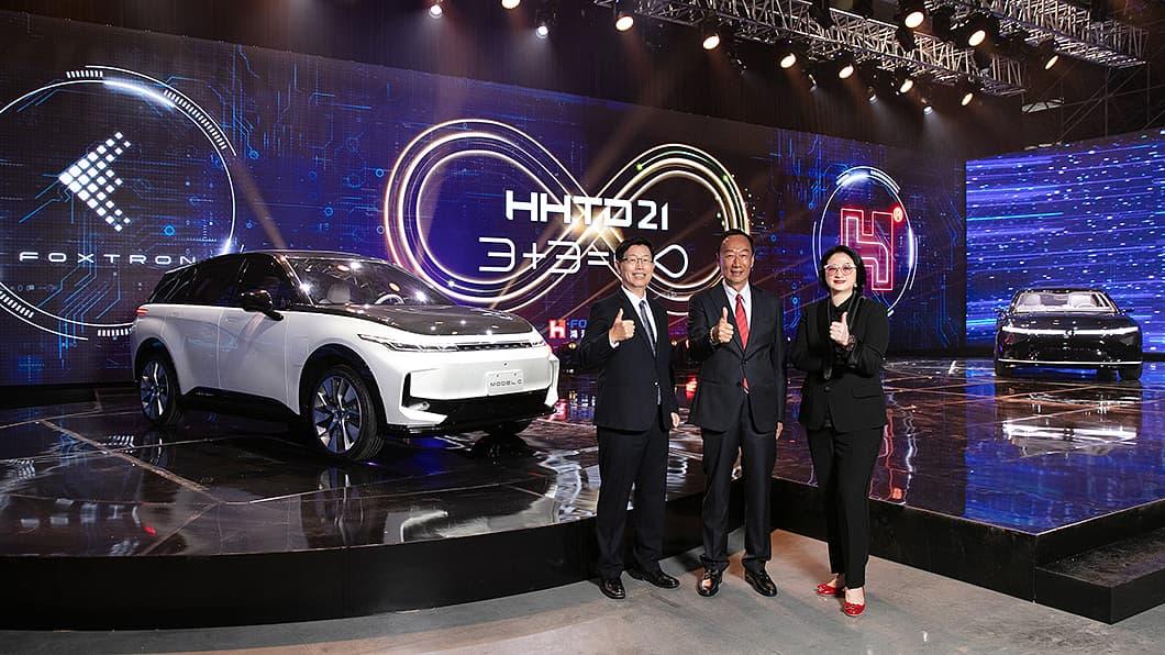 鴻海電動車亮相 3款車型性能公開 Model C售價低於百萬